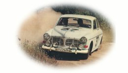 Rally Volvo Amazon drifting on dirt